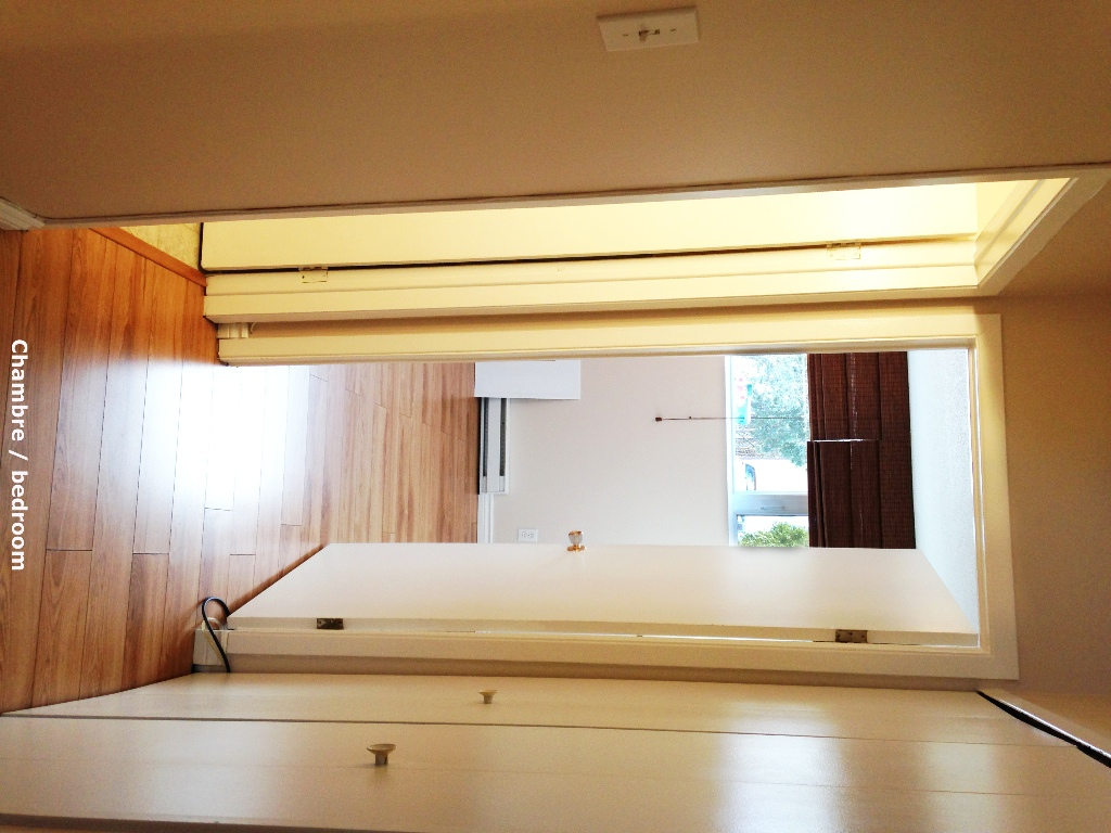 35-Schingh-chambre-vue-du-passage
