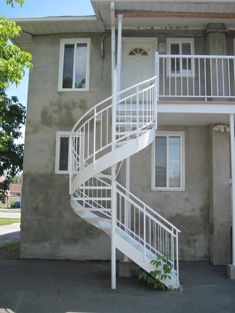 391Hetu-escalier